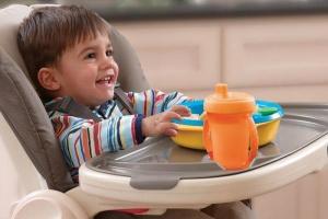 Наши советы помогут в правильном выборе стульчика для кормления
